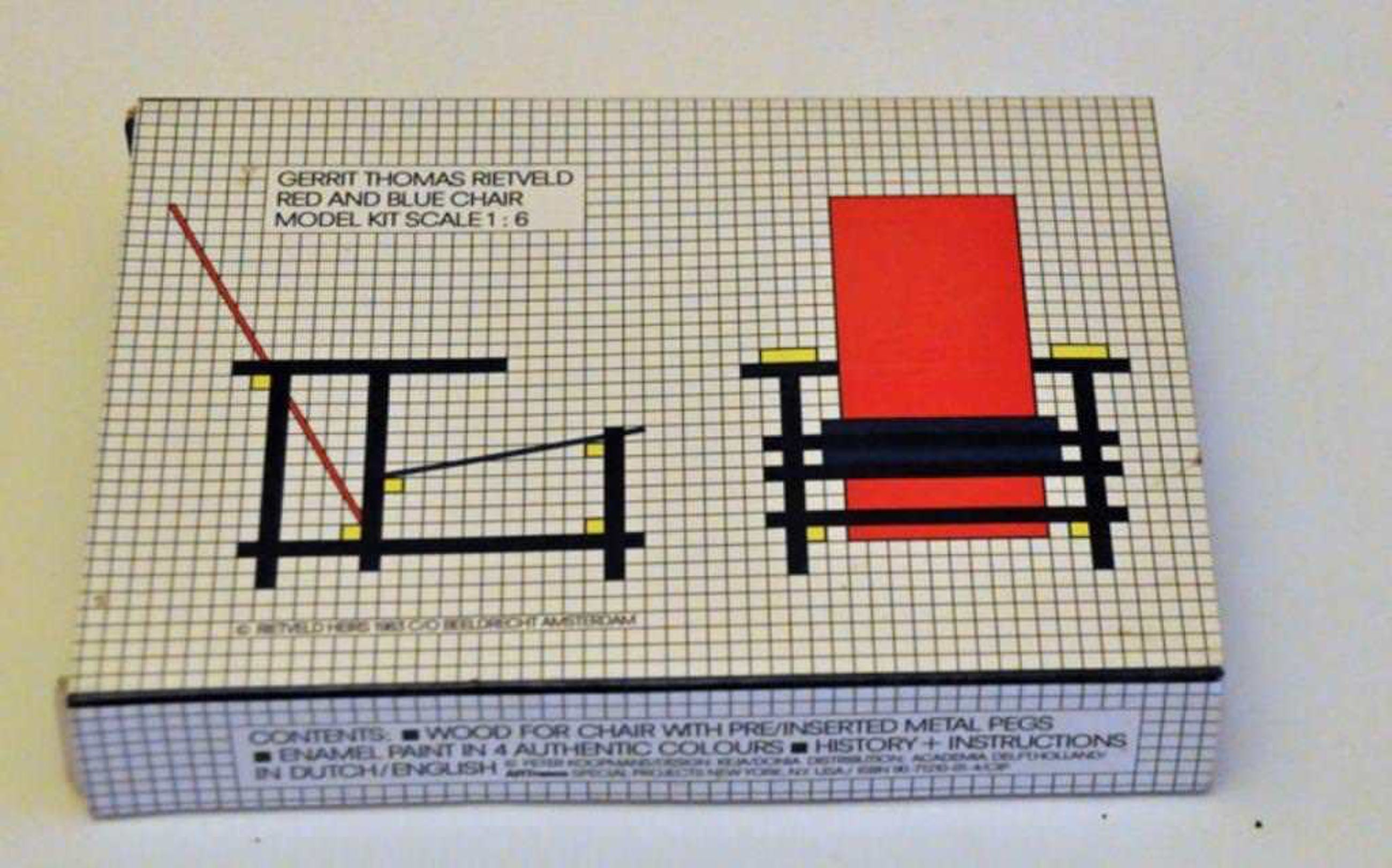 Gerrit Rietveld, Red and Blue Chair modelbouwpakket 1:6 kopen? Bied vanaf 69!