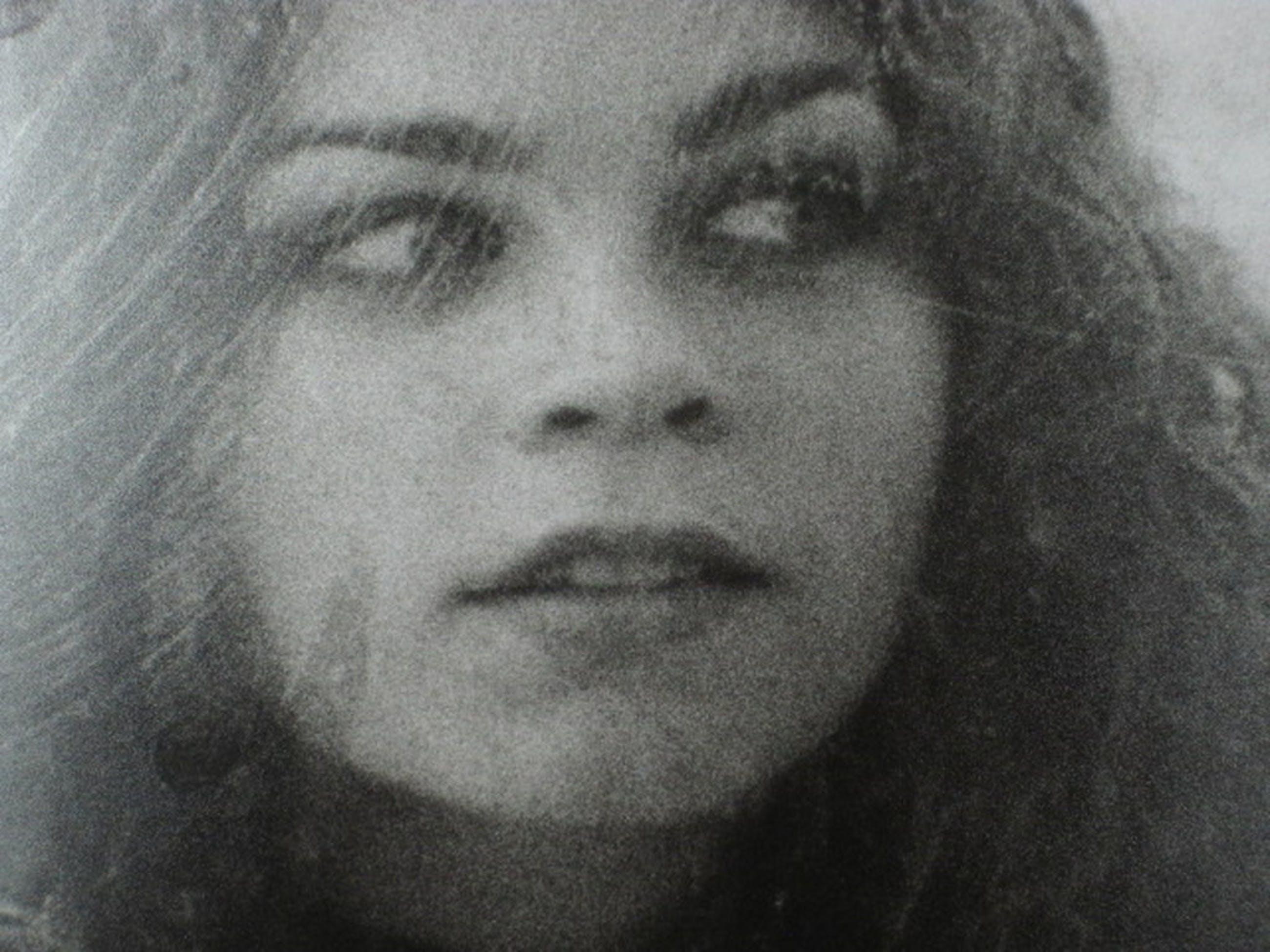 """Theo Lode de Leede (1934-2004) zwartwit foto """"vrouw en web"""" ca. 1975 kopen? Bied vanaf 1!"""