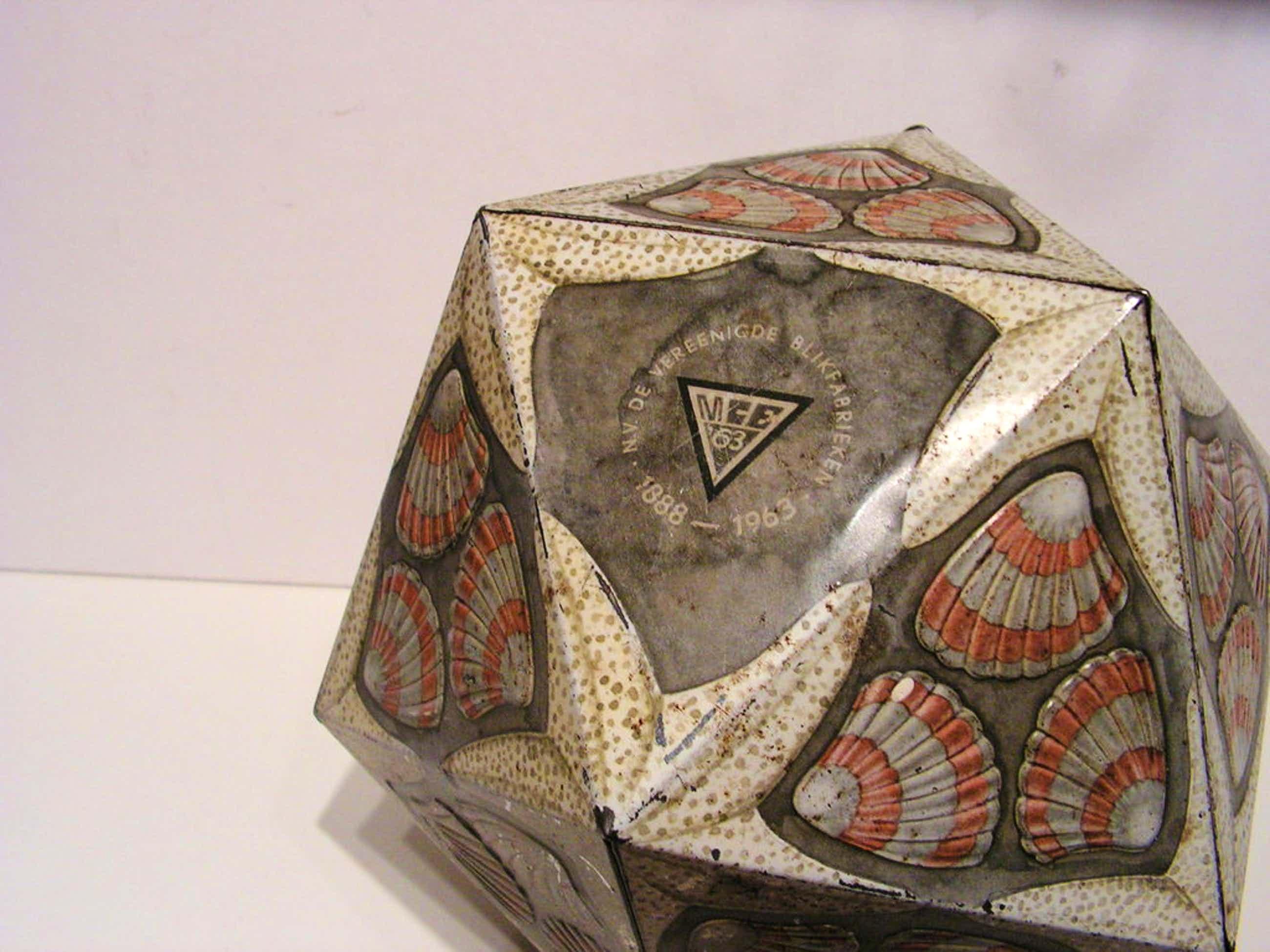 M.C.Escher   -  Verblifa  icosaëder  -  blik  - 1963 LAATSTE KANS! kopen? Bied vanaf 550!