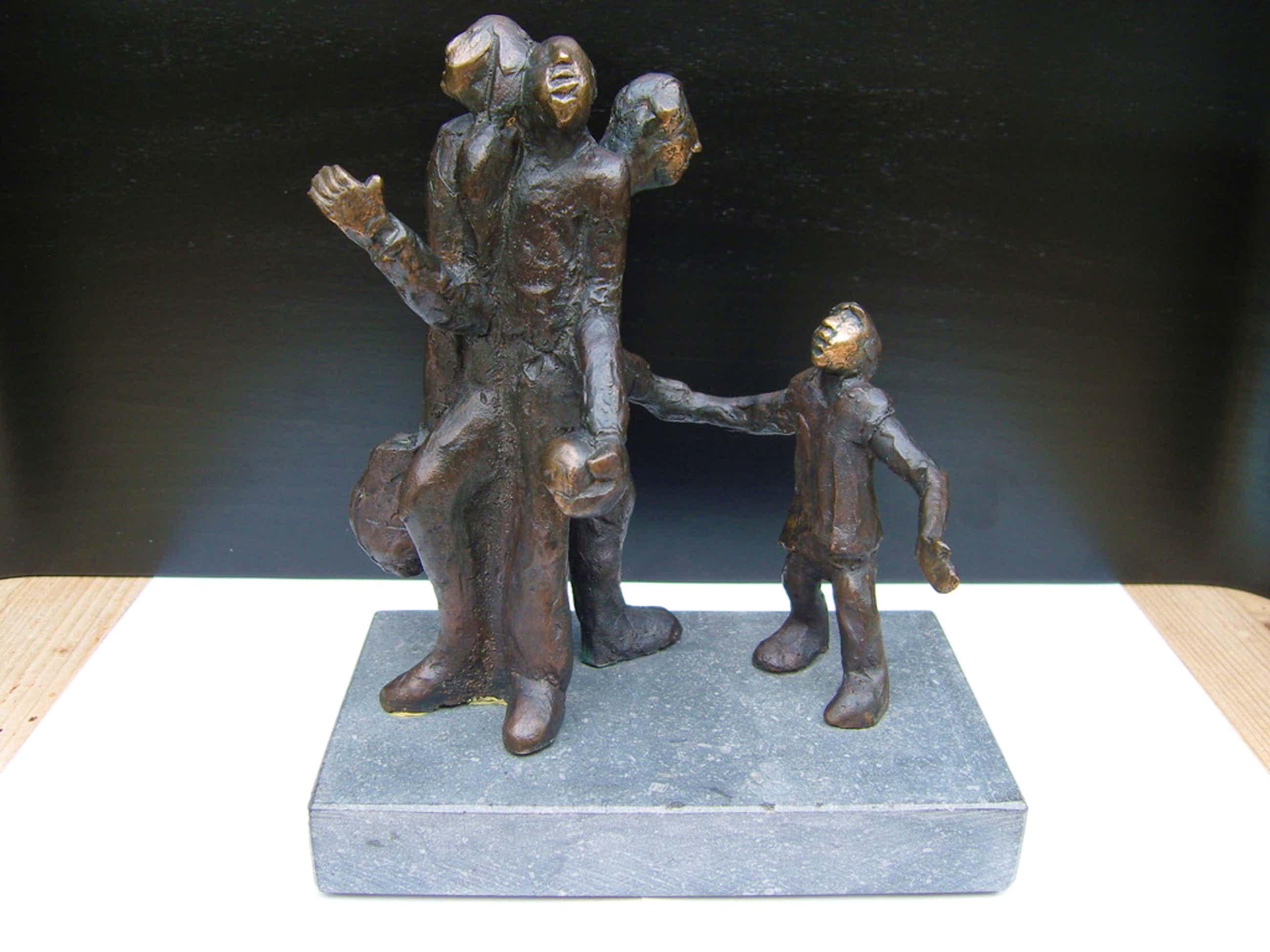 """Sjer Jacobs: Bronzen beeld """"levensloop man"""". kopen? Bied vanaf 500!"""