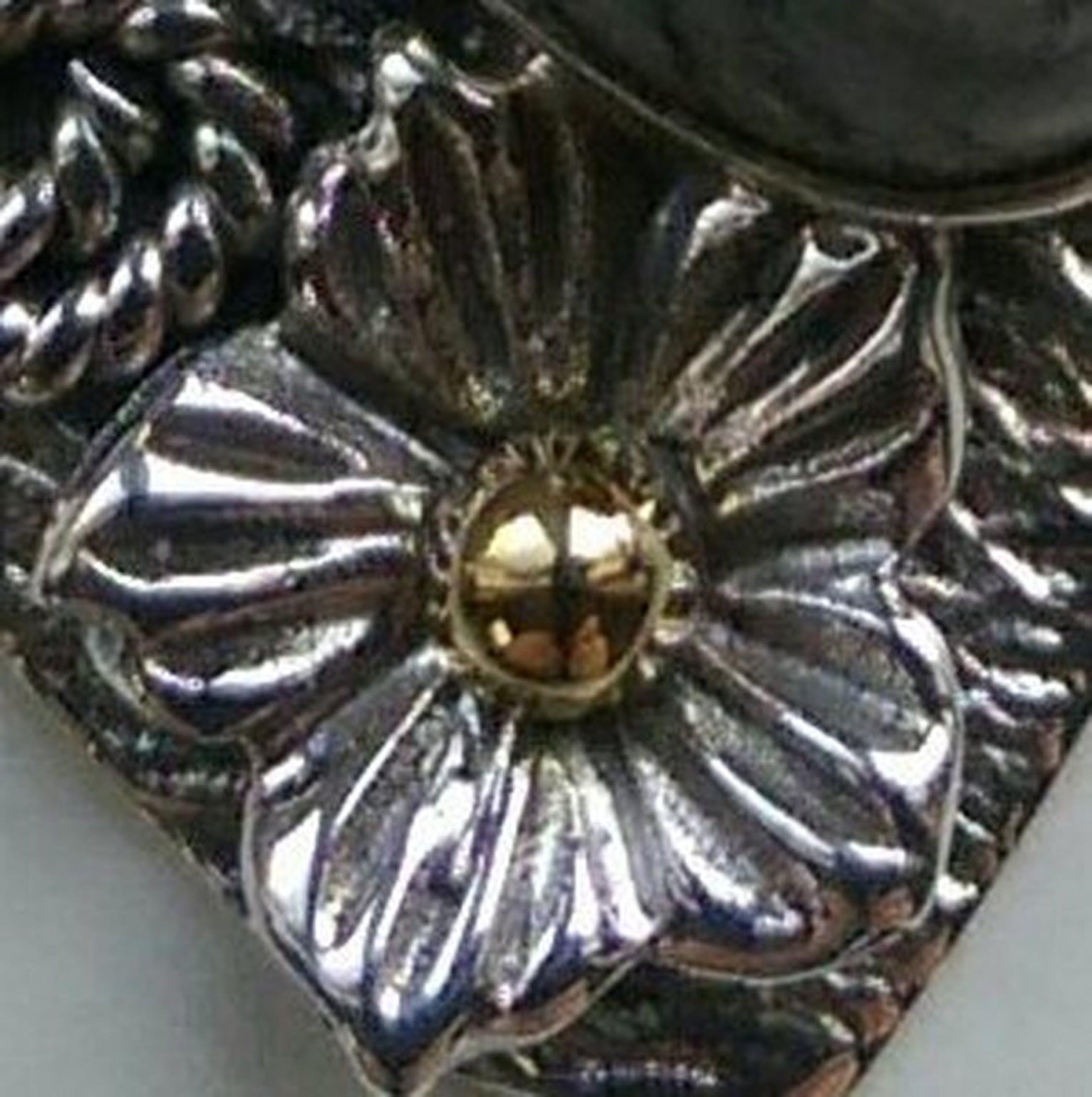 Zilveren design hanger met orthoceras  kopen? Bied vanaf 11!