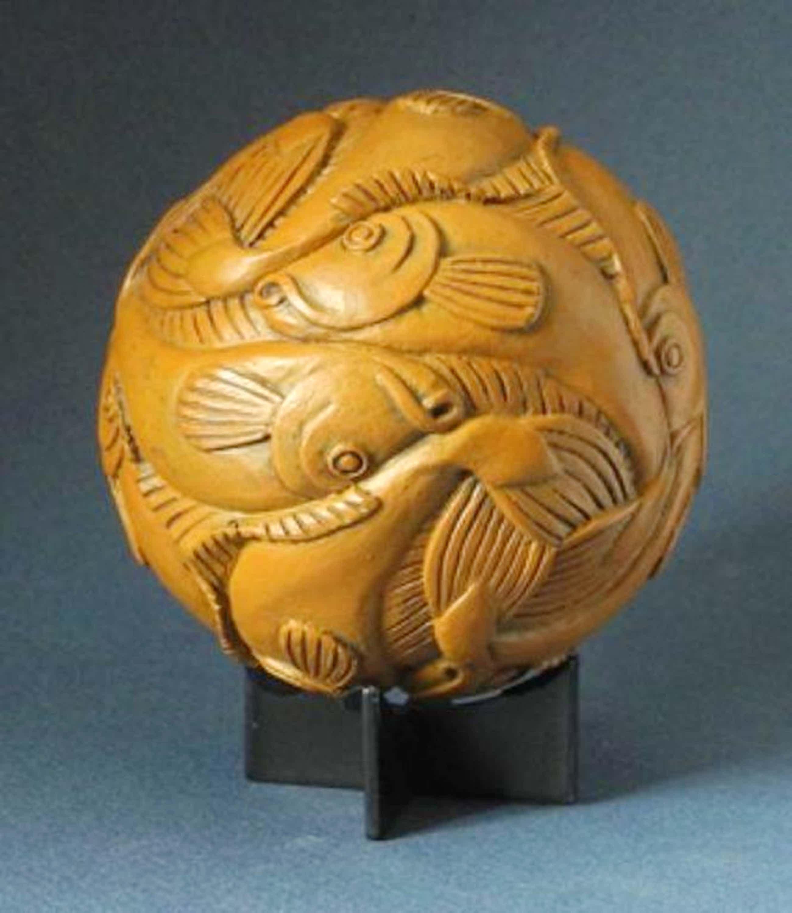 MC ESCHER, 3D-sculpture: Fisch, Beech wood (1940) kopen? Bied vanaf 39!