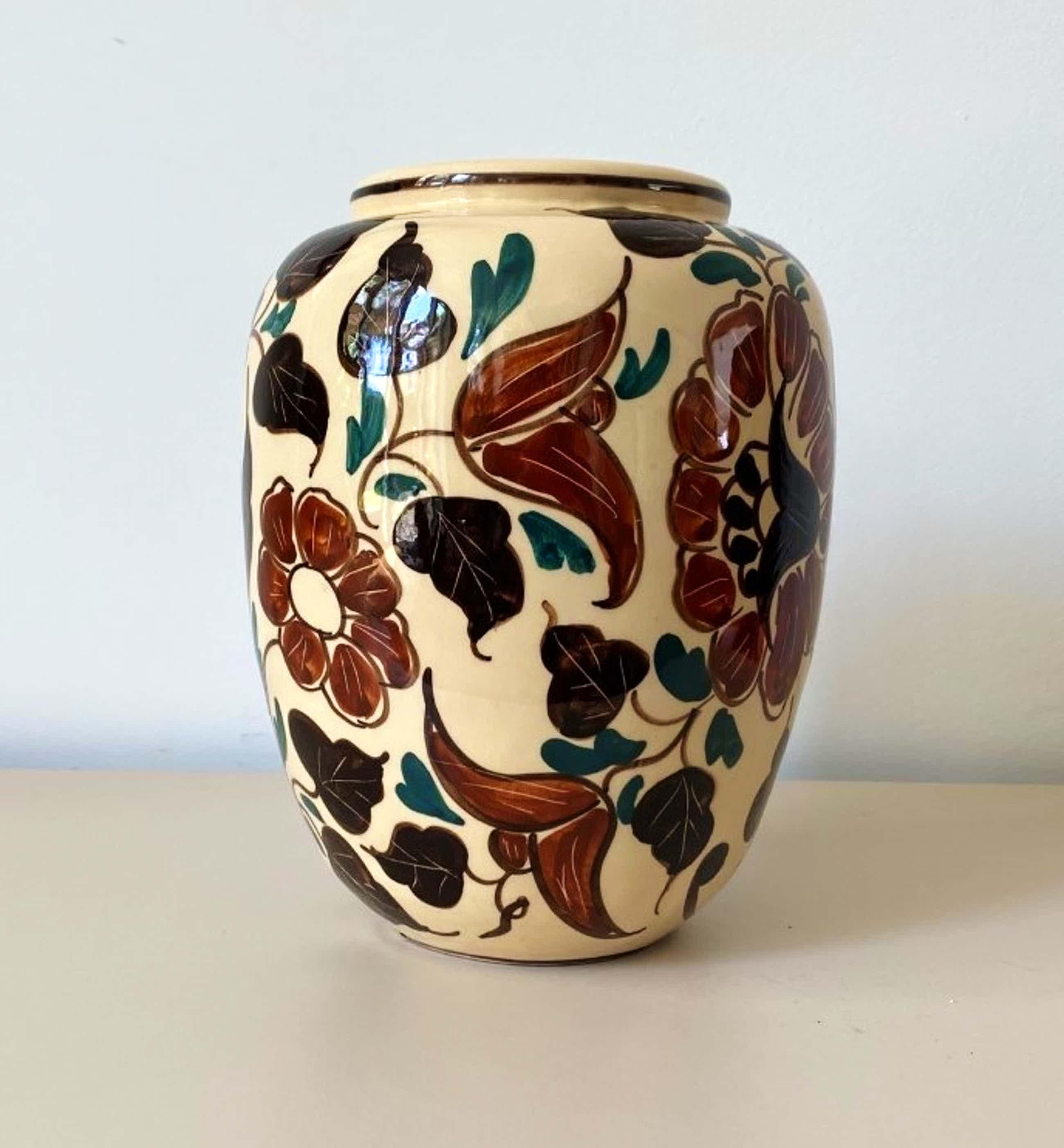 Niet of onleesbaar gesigneerd - Italiaanse Jugendstil aardewerken vaas kopen? Bied vanaf 25!