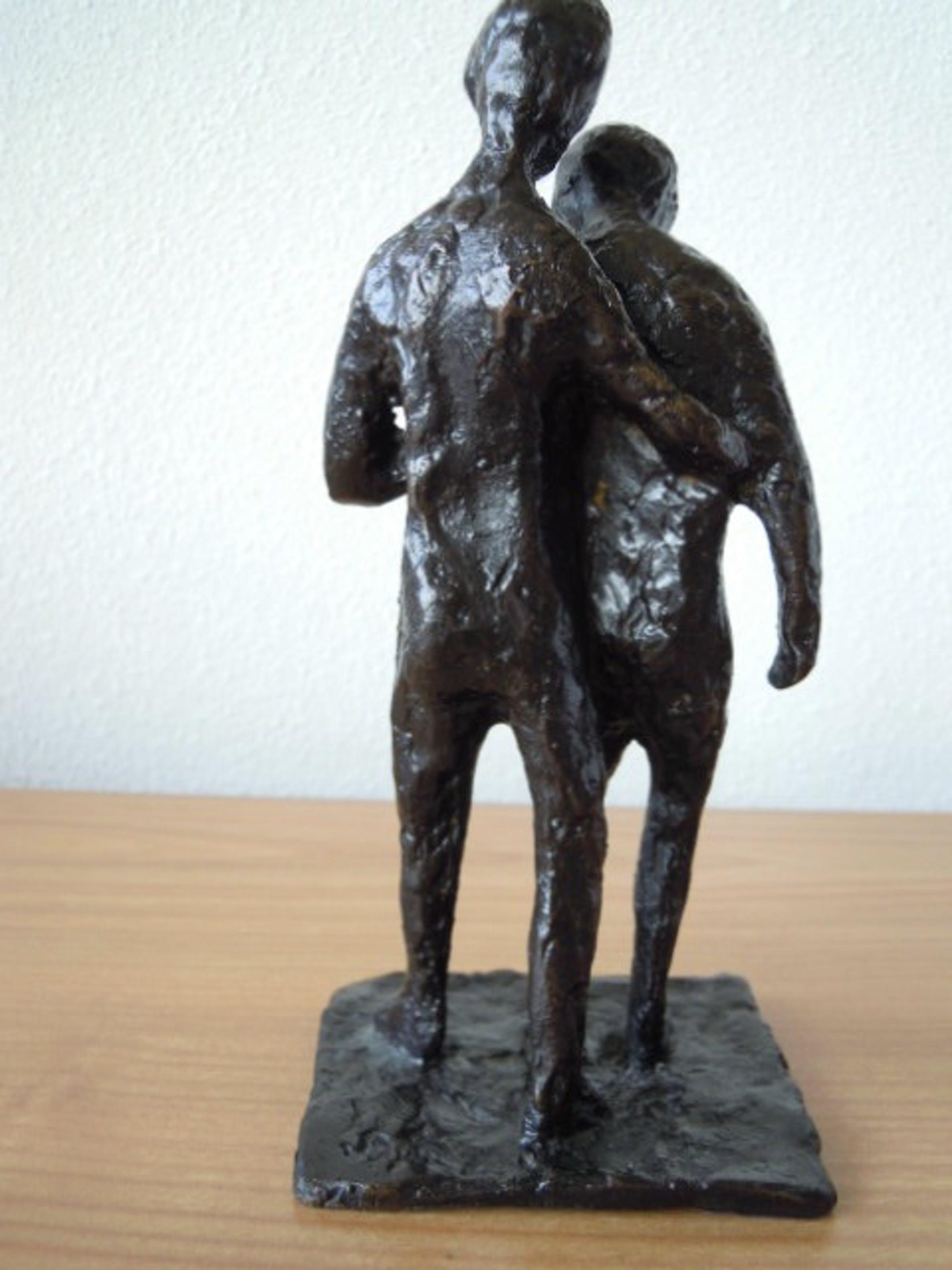 Brons (Onbekend) - Zwaar bronzen beeld van 2 personen. kopen? Bied vanaf 35!