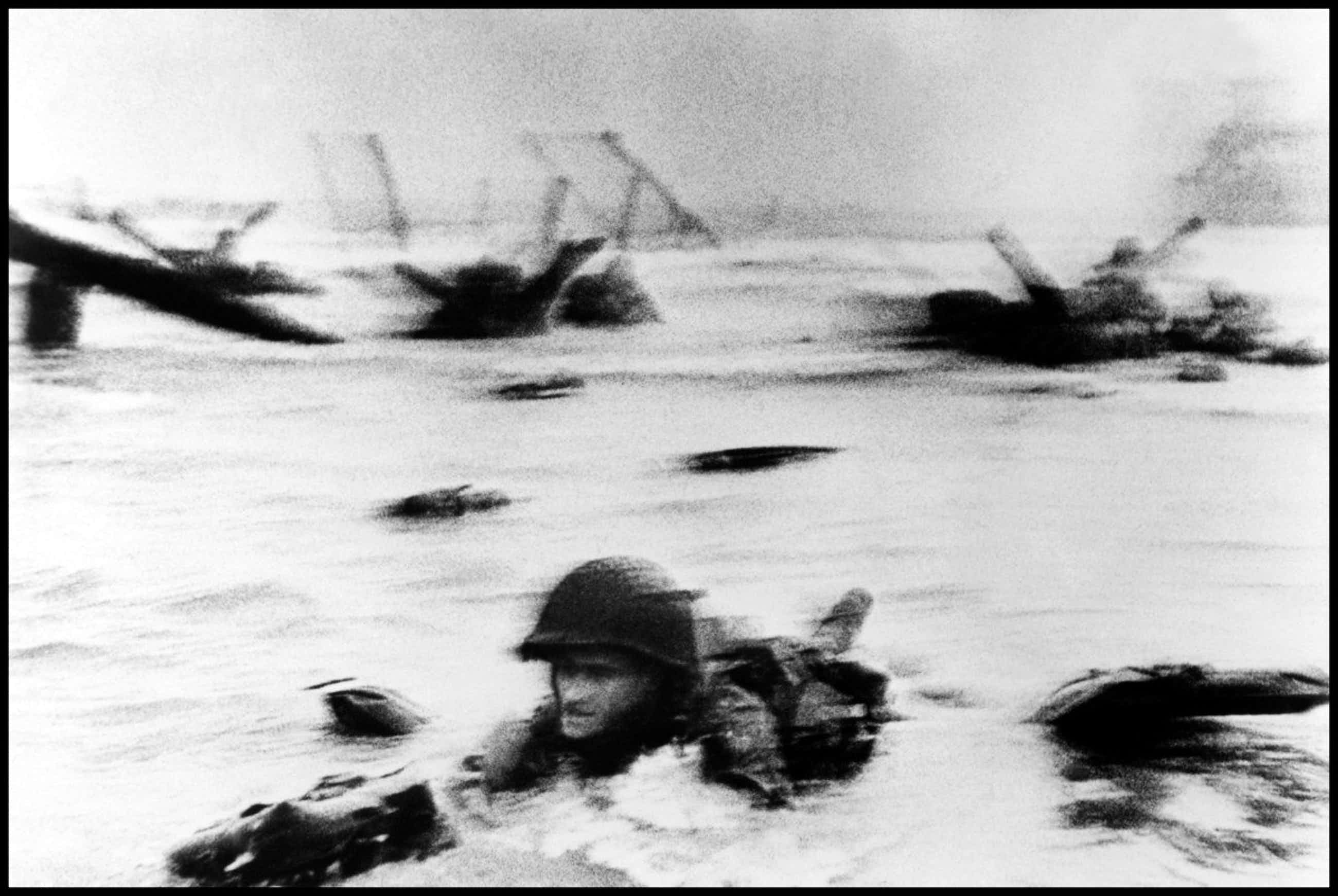 Robert Capa - Normandy, June 6th, 1944 kopen? Bied vanaf 750!