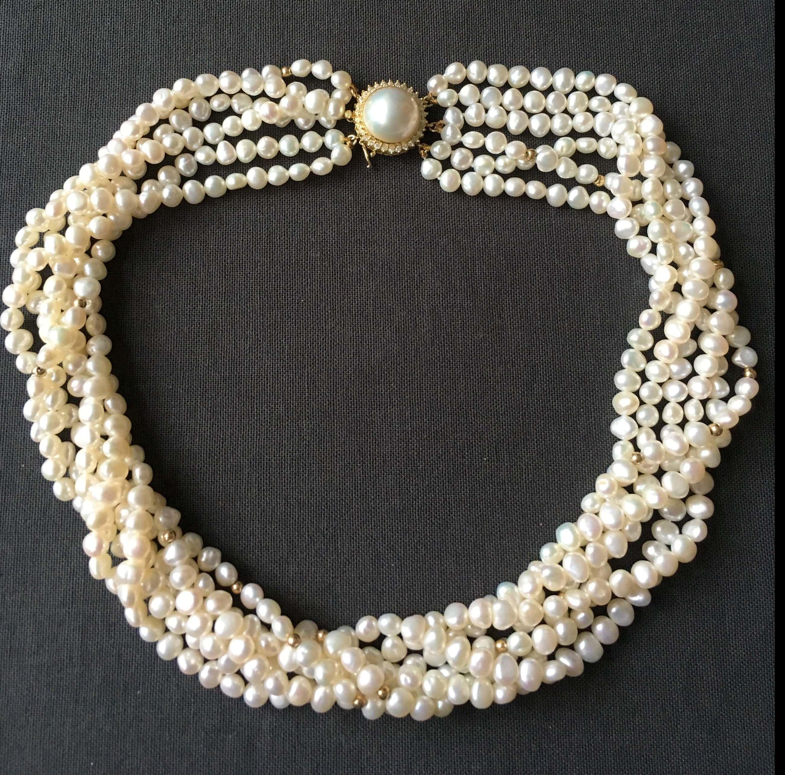 14K Goud - torsade van zoetwaterparels, 6 strengen, gouden slot met diamant en mabé parel kopen? Bied vanaf 650!