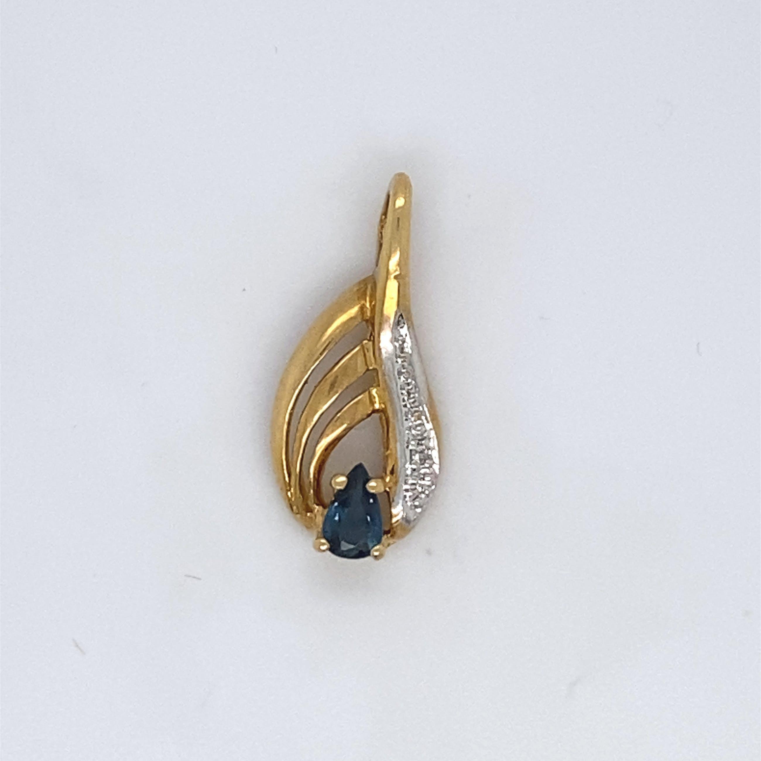 18kt gouden hanger met saffier en diamant, 1,51gr kopen? Bied vanaf 80!