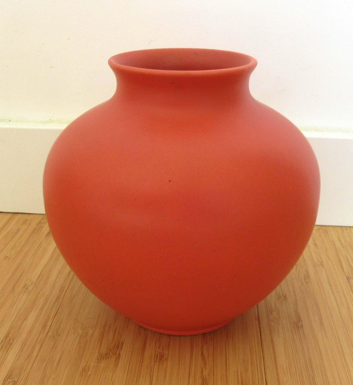 Keramiekfabriek Velsen - Monochrome terracotta plateln vaas (Delfts) kopen? Bied vanaf 15!