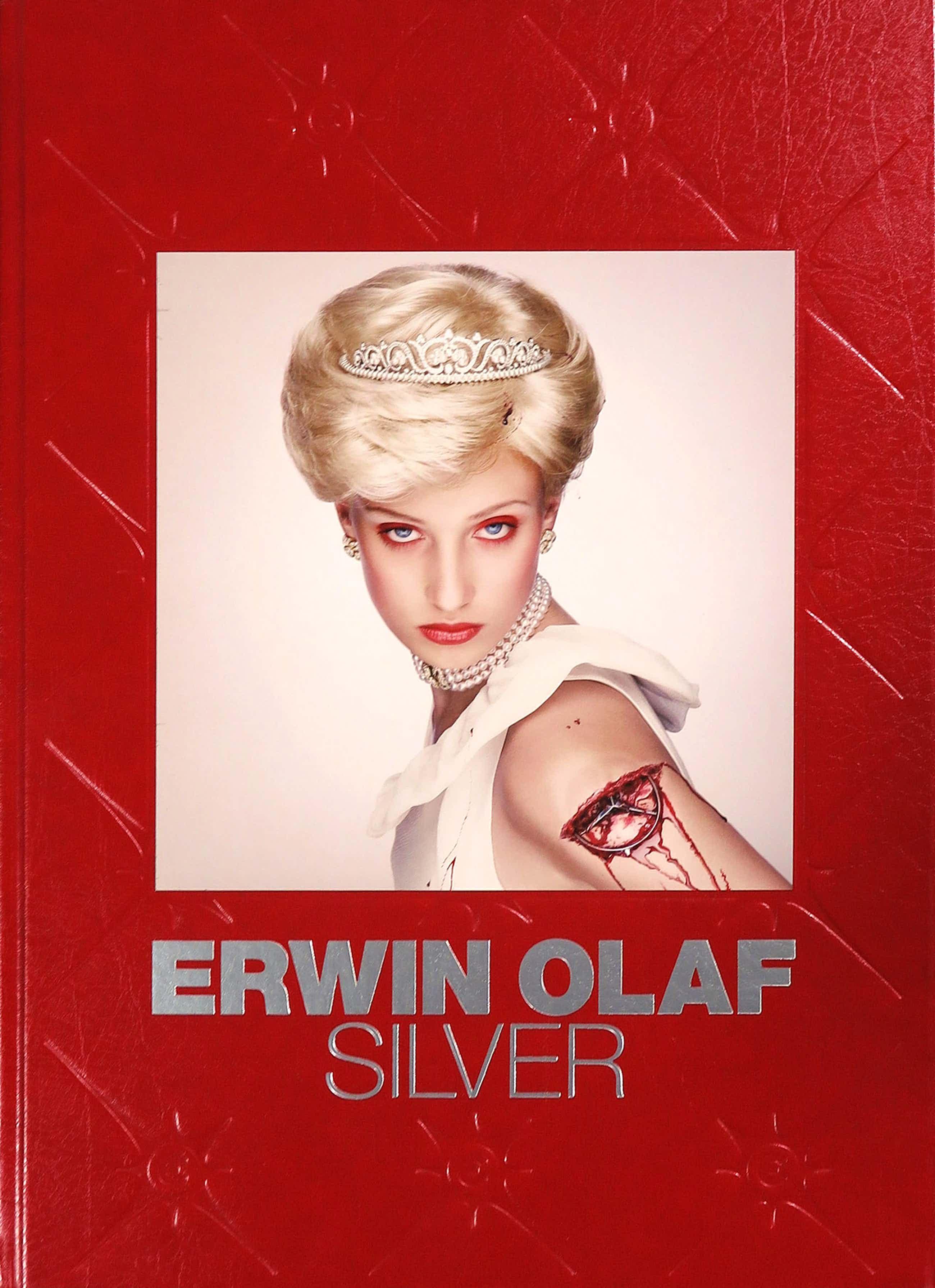 Erwin Olaf - Fotoboek, Silver (Gesigneerd) kopen? Bied vanaf 190!
