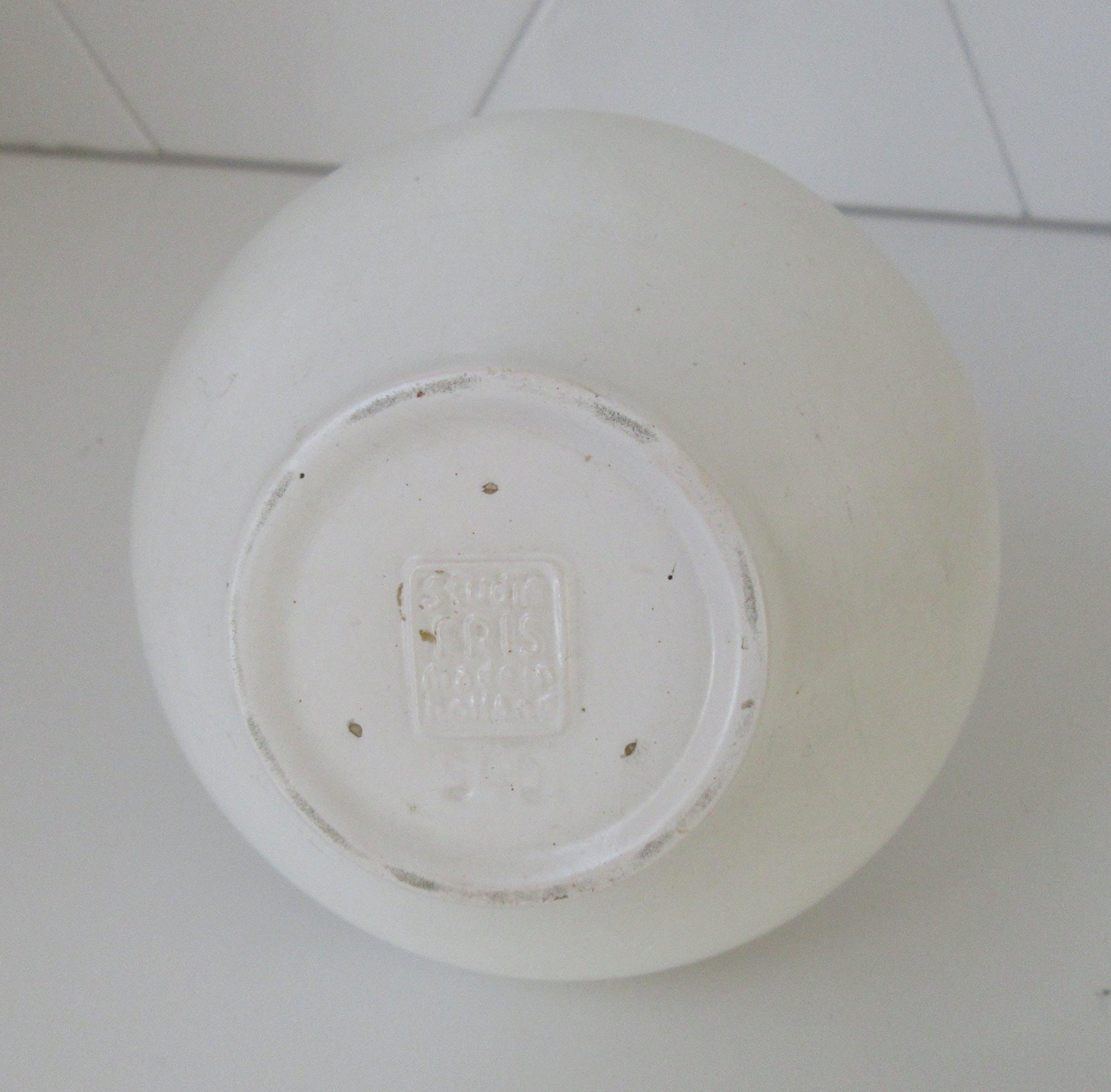 Willem Hendrik de Vries - Mat wit zwart platelen vaasje model 540 - Fris Edam kopen? Bied vanaf 23!