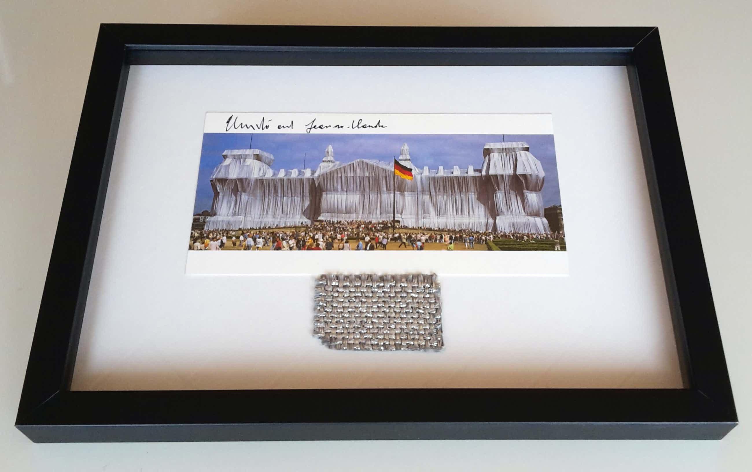 Christo - Wrapped Reichstag - XXL artcard - handgesigneerd - incl. groot stukje stof kopen? Bied vanaf 145!
