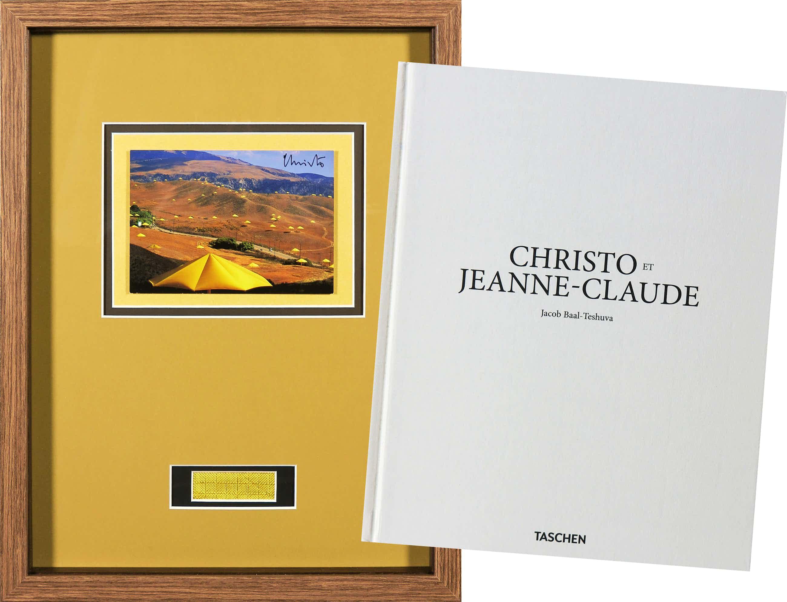 Christo - Handgesigneerde artcard The Umbrellas Japan + boek kopen? Bied vanaf 140!