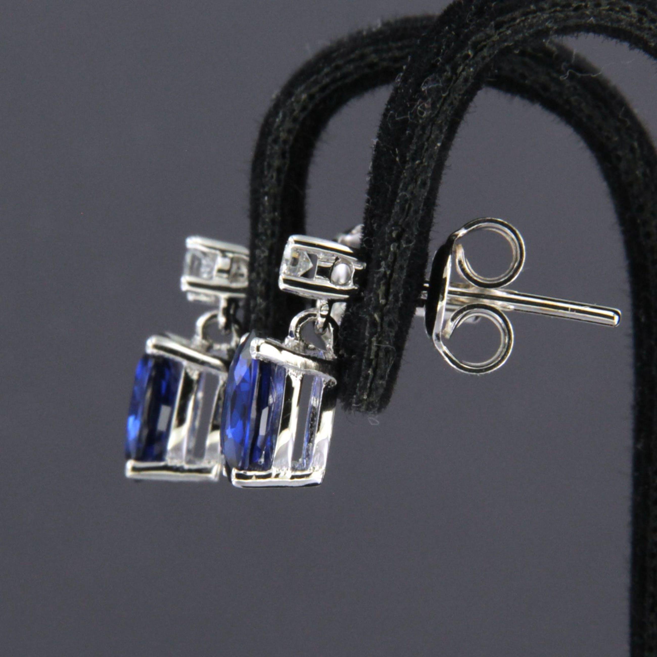18K Goud - witgouden oorhangers bezet met saffier en briljant geslepen diamat kopen? Bied vanaf 280!