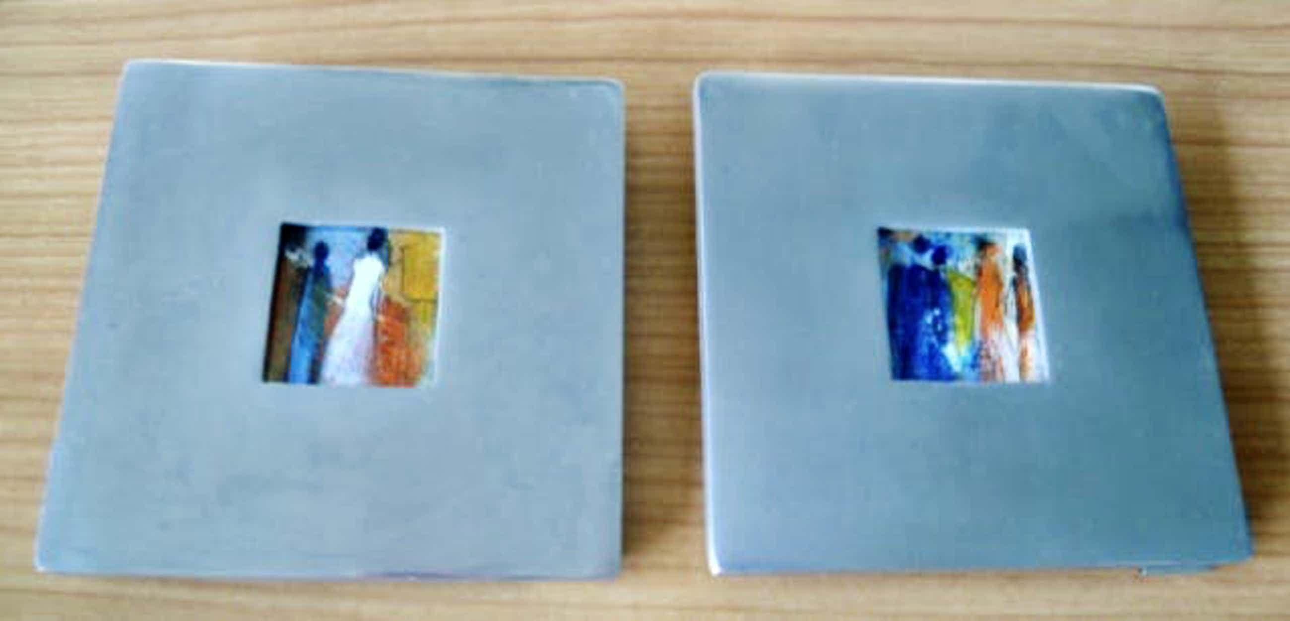 Paula Evers - 2 Miniatuur schilderijtjes met vrouwen in lijstje van chroom kopen? Bied vanaf 45!