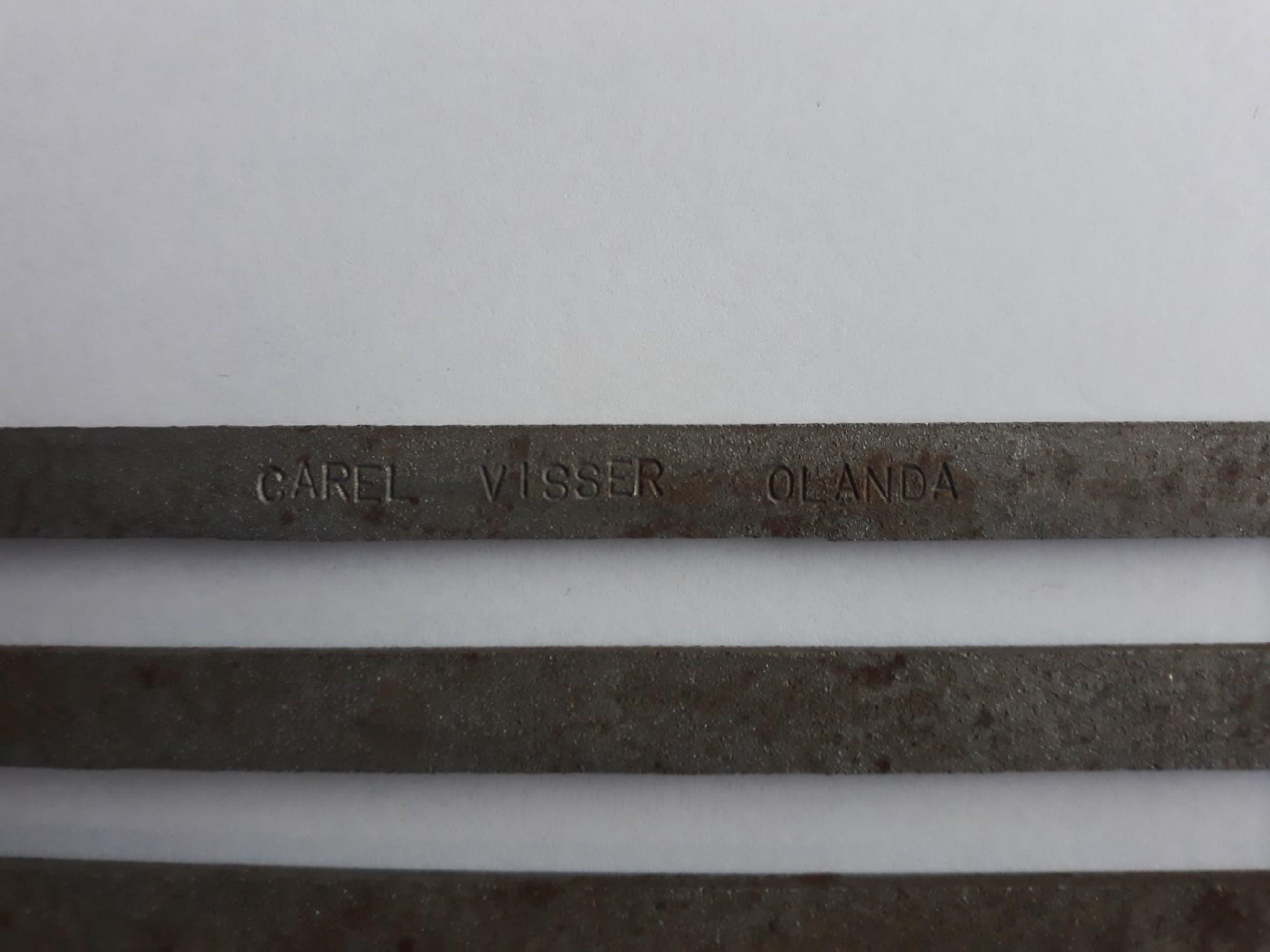 Carel Visser - zonder titel (ijzeren object, multiple) kopen? Bied vanaf 120!