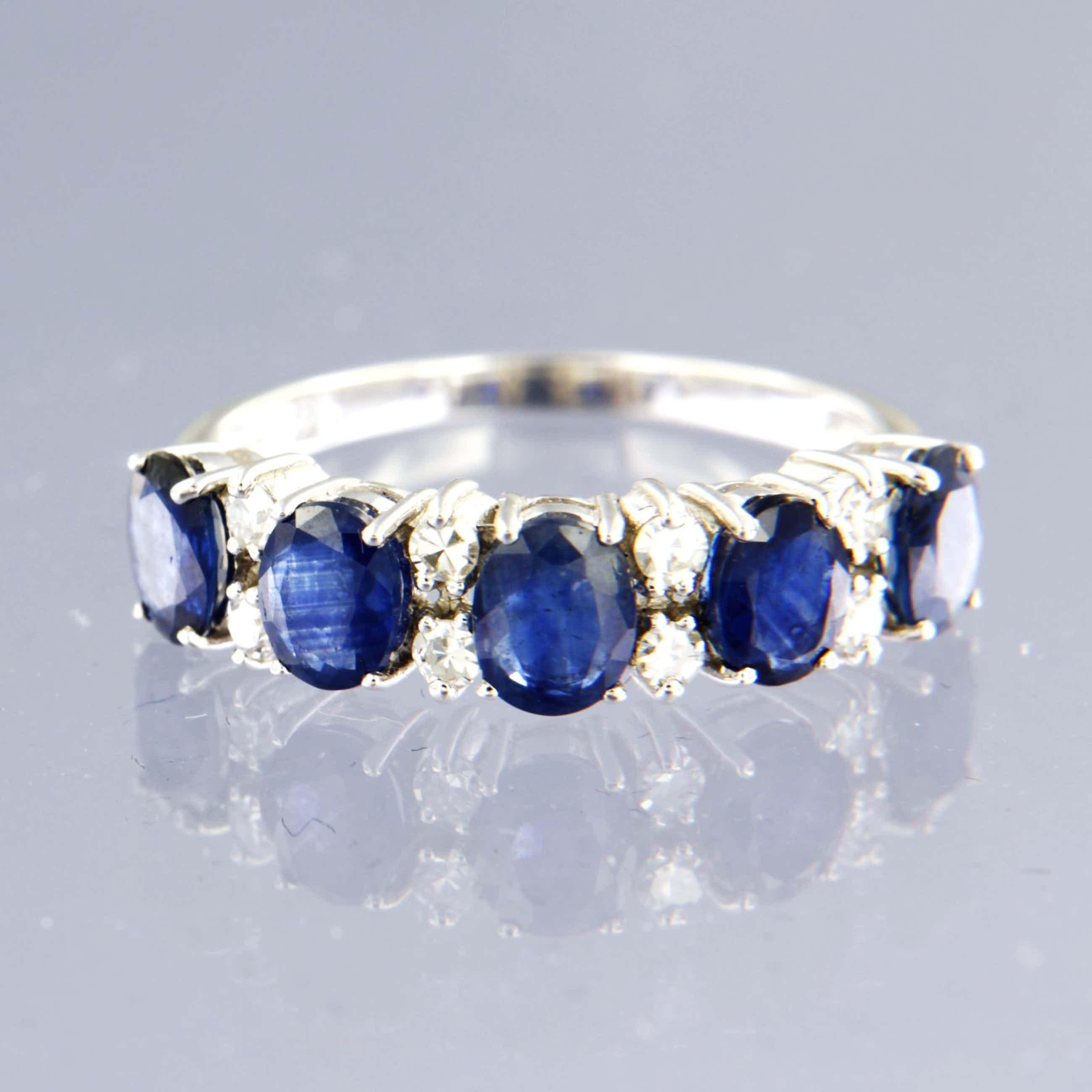 14K Goud - witgouden ring bezet met saffier en 8 kant geslepen diamant, ringmaat 17,25 (54) kopen? Bied vanaf 400!