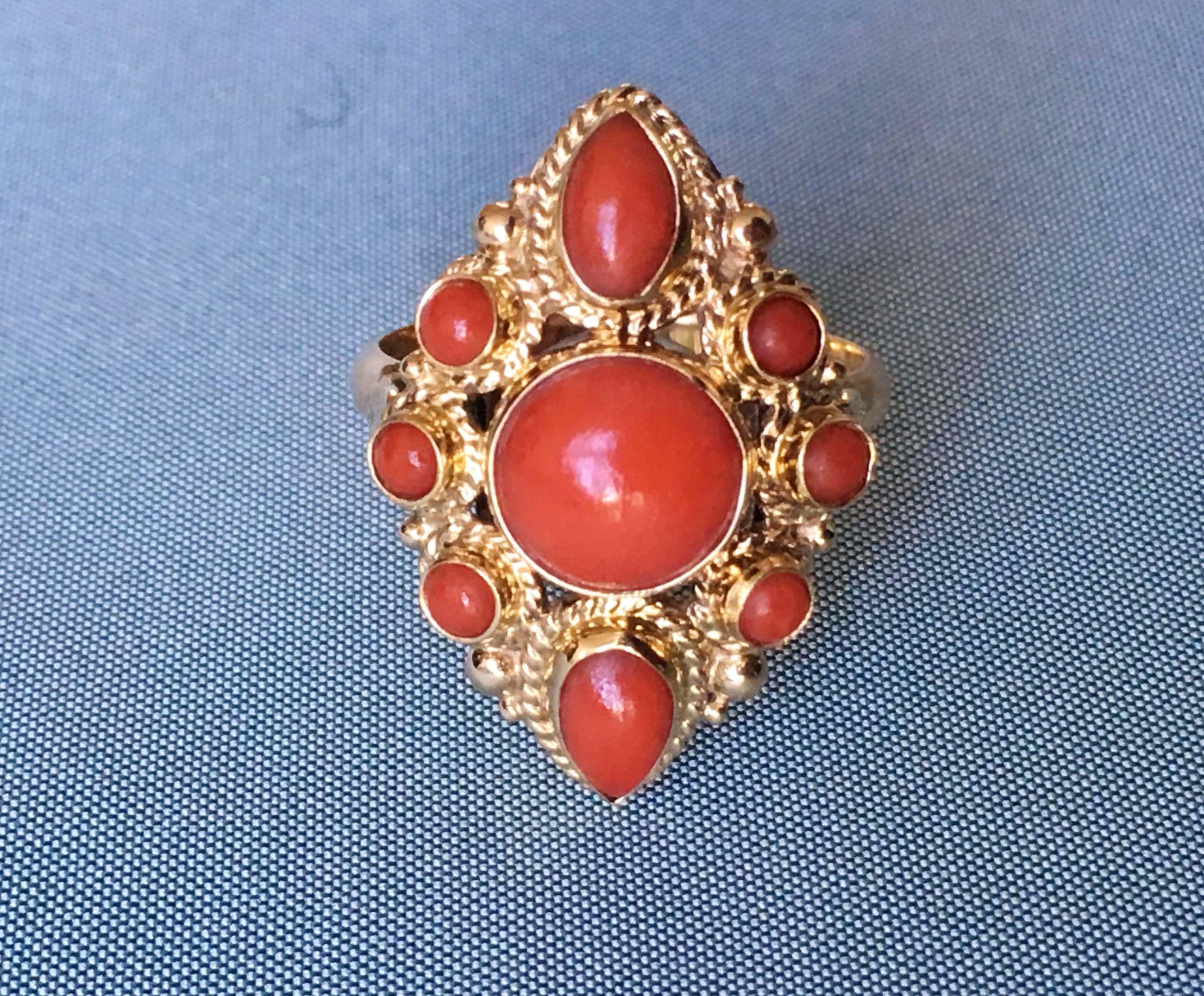 14K Goud - geelgouden vintage ring met bloedkoraal, maat 17 kopen? Bied vanaf 225!