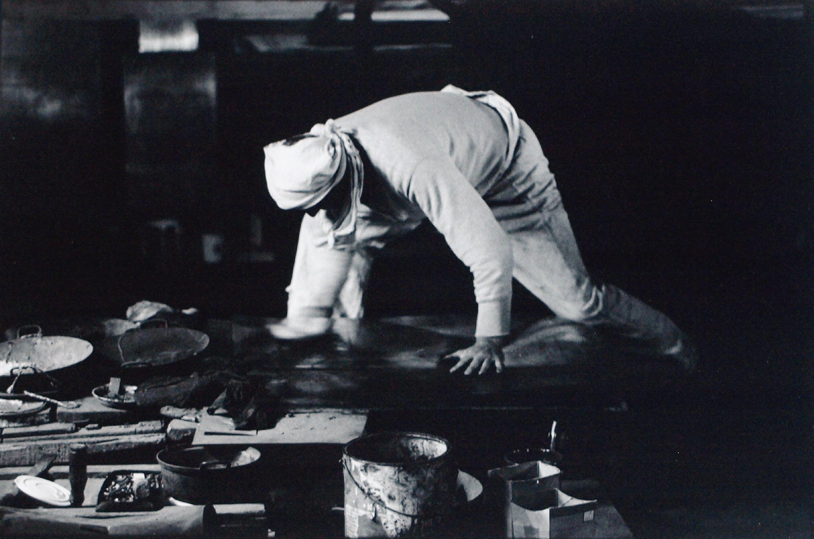 Anton Heyboer - 7 Grote foto's van Anton Heyboer in zijn atelier – Fotograaf: Nico Koster kopen? Bied vanaf 350!