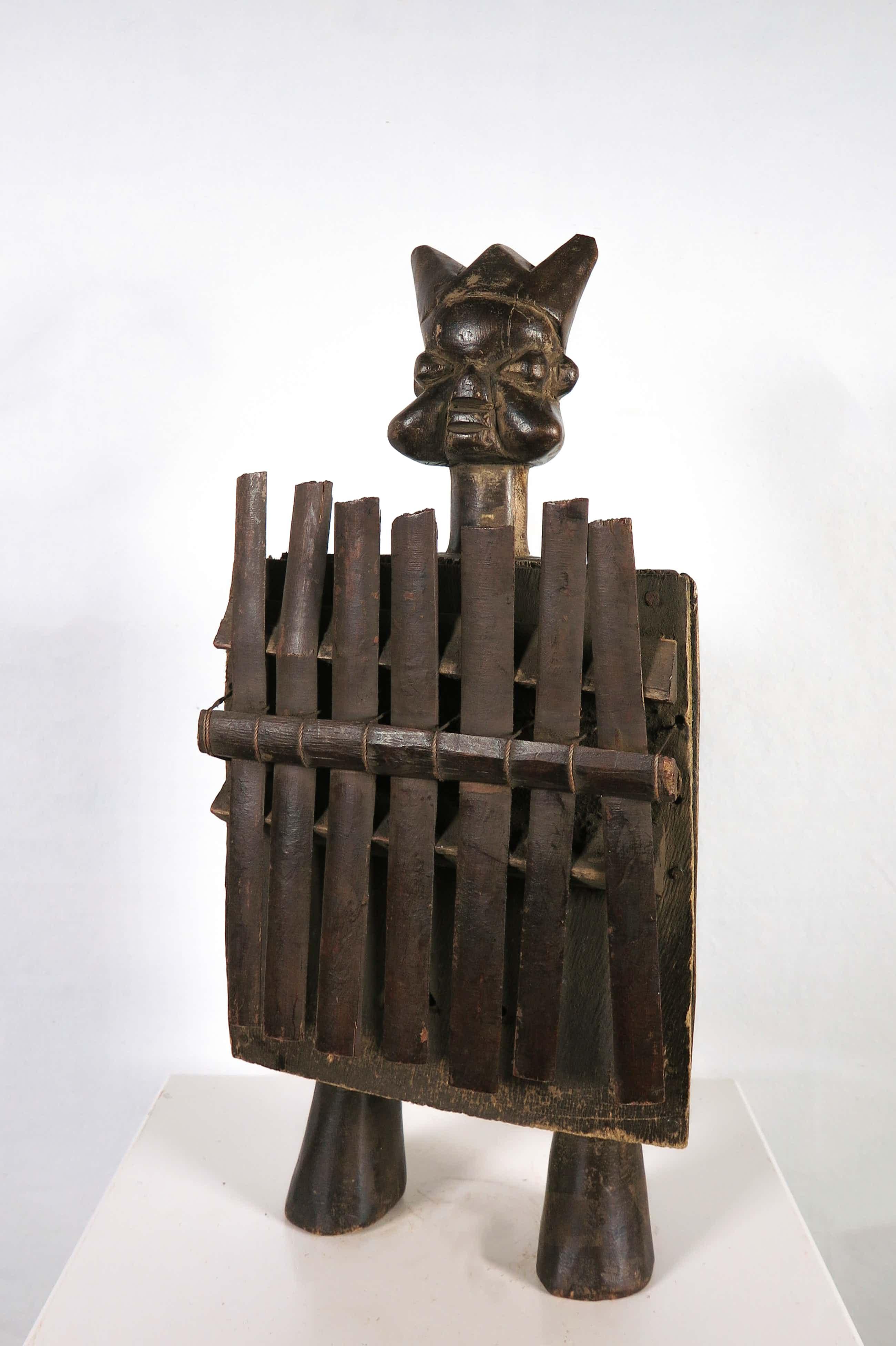 Luba - Sanza muziekinstrument met halfronde klankkast en bamboe tongen kopen? Bied vanaf 20!