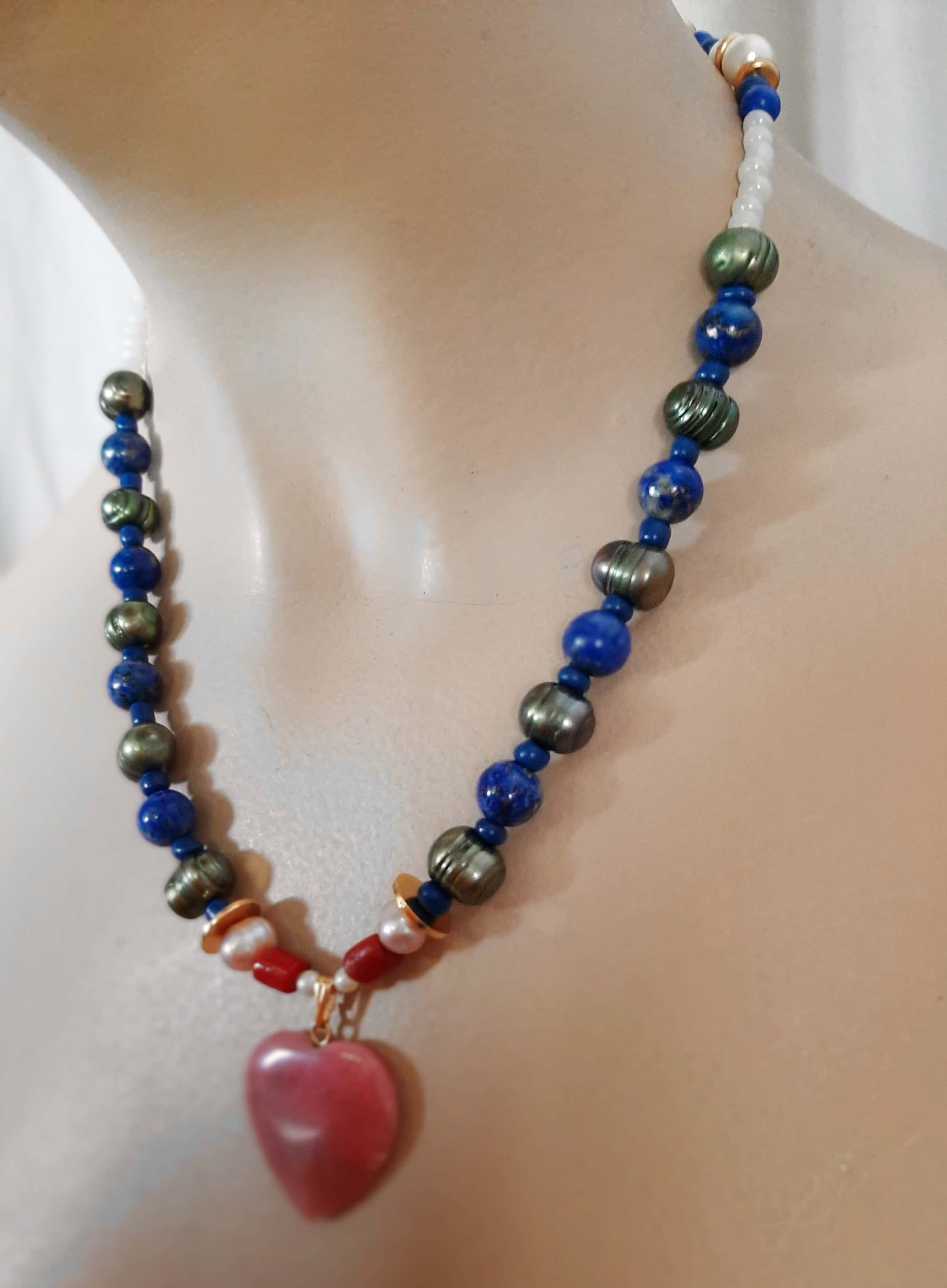Niet of onleesbaar gesigneerd - Collier van lapis lazuli,parels,koraal,zilver 835 kopen? Bied vanaf 25!