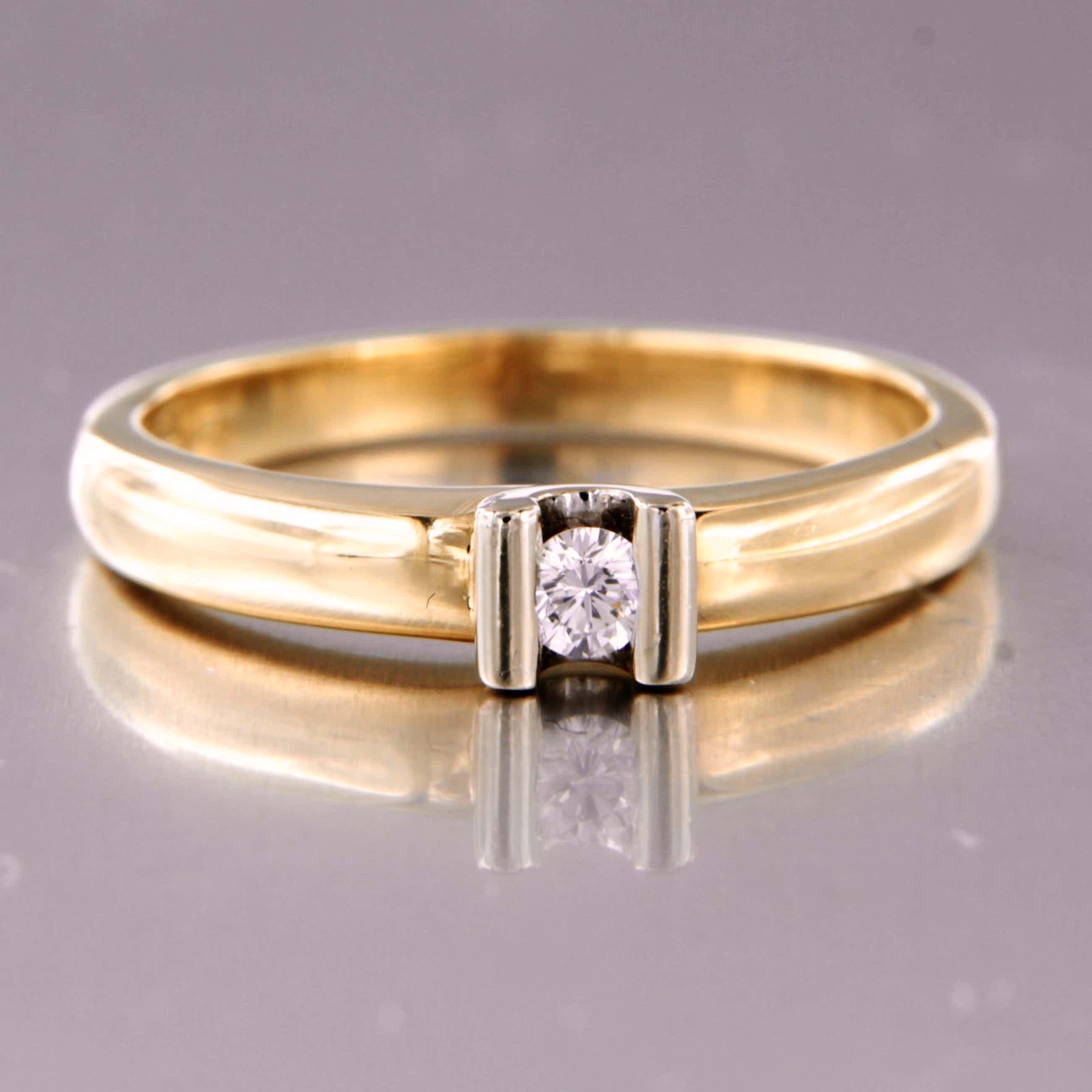 14K Goud - bicolor gouden ring bezet met briljant geslepen diamant kopen? Bied vanaf 220!