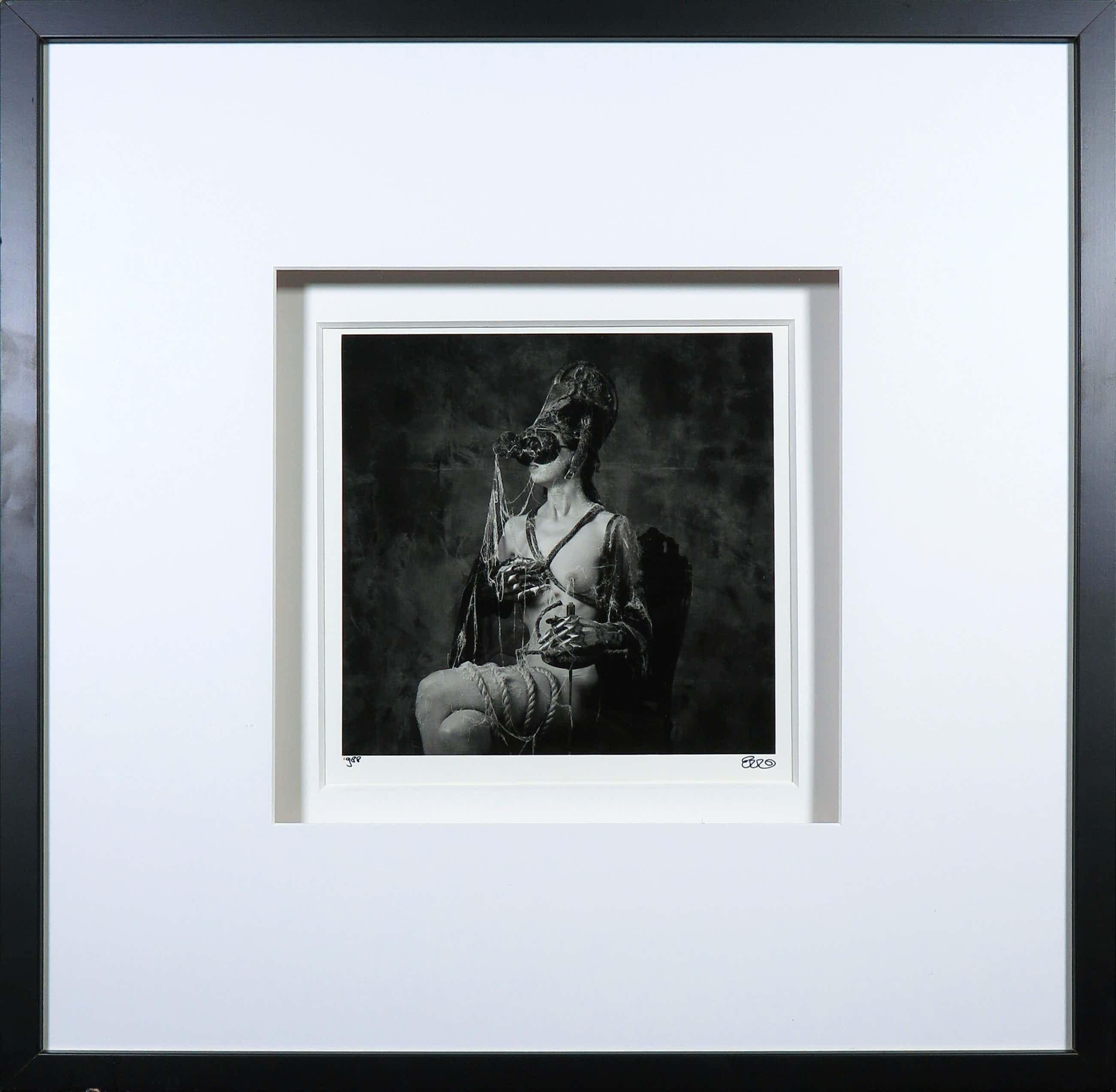 Erwin Olaf - Foto, De witte pion - Ingelijst kopen? Bied vanaf 1118!