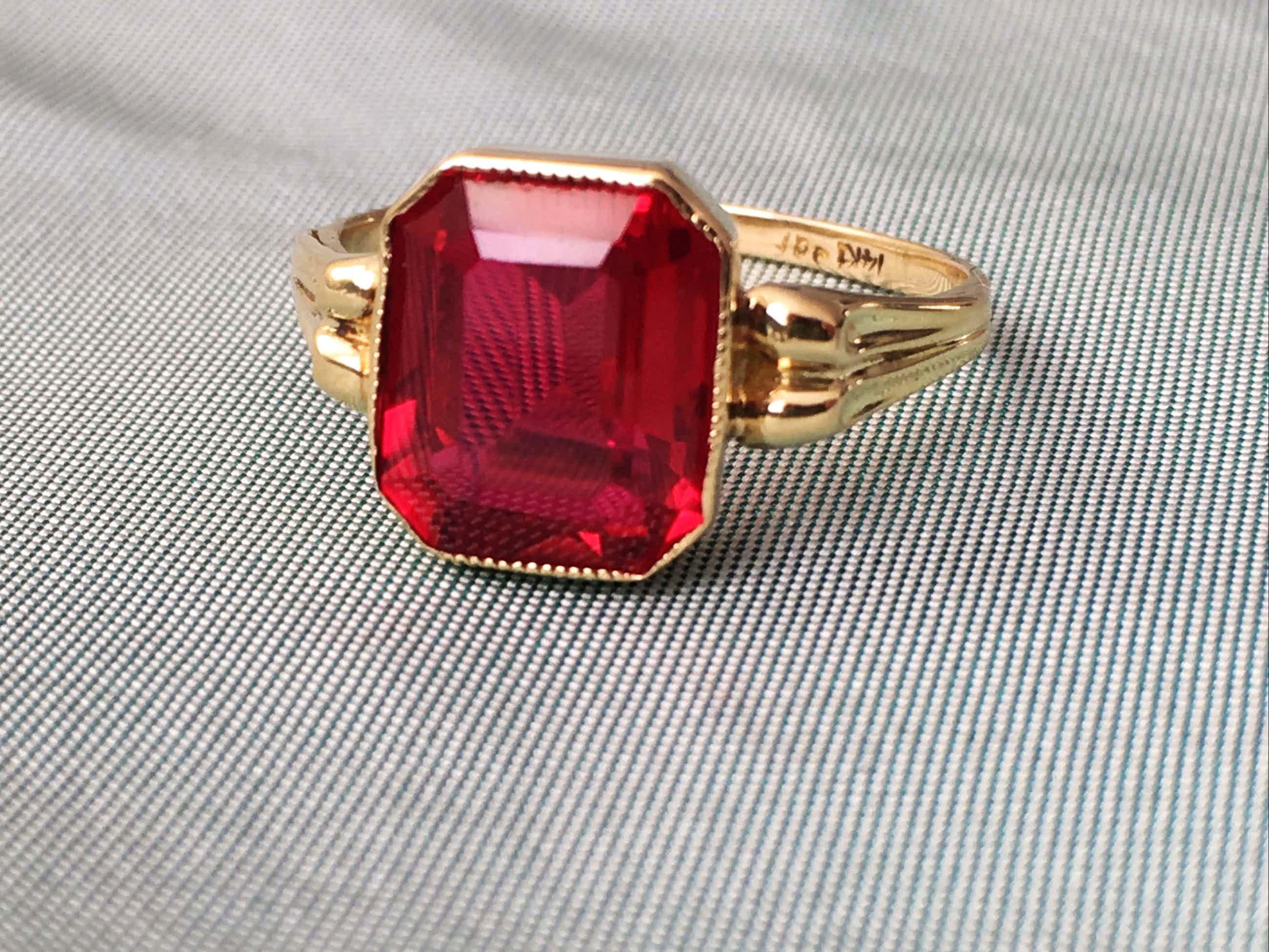 14K Goud - geelgouden vintage ring met robijn kopen? Bied vanaf 120!