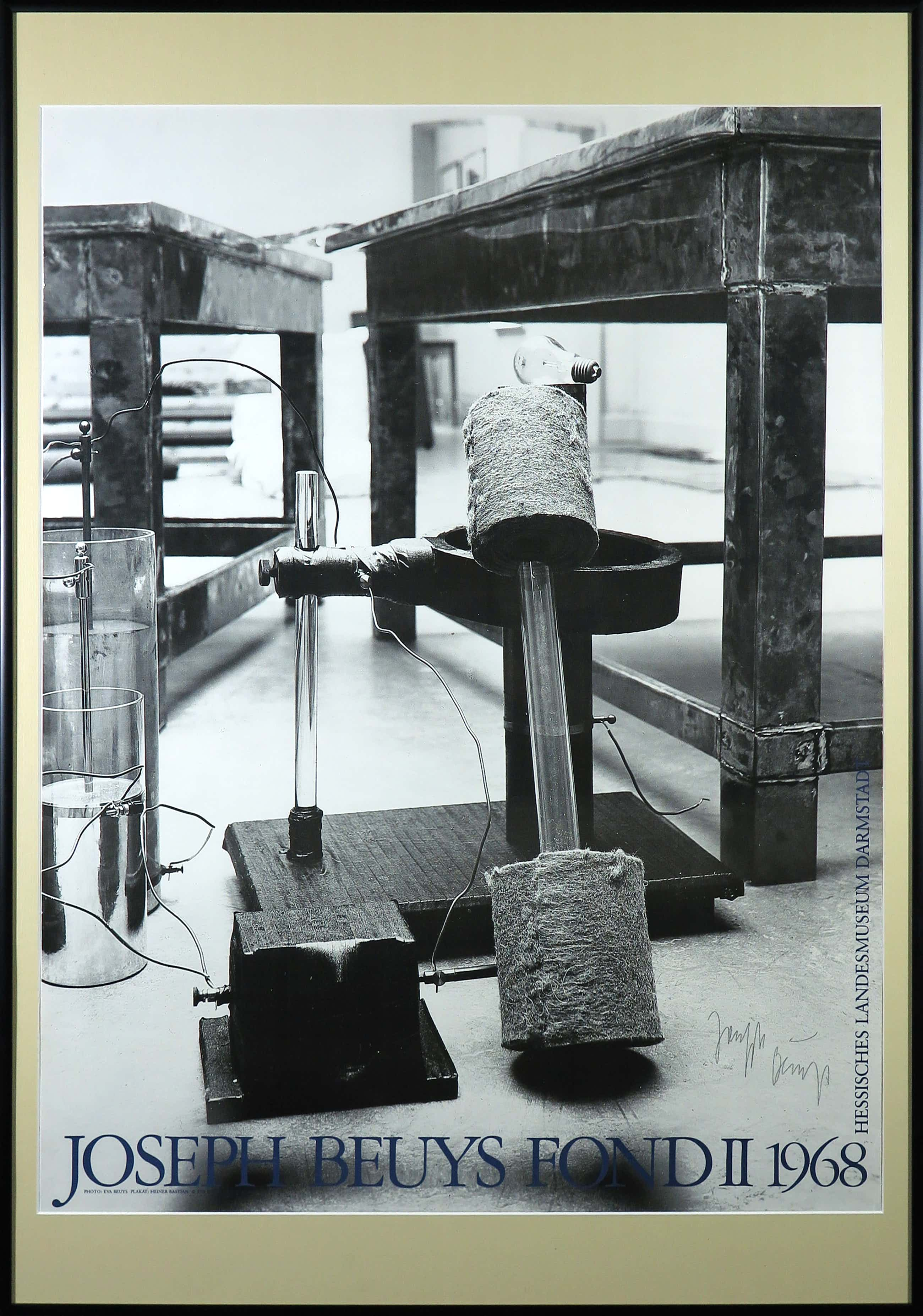 Joseph Beuys - Gesigneerd affiche Fond II Hessische Landesmuseum Darmstadt - Ingelijst (Groot) kopen? Bied vanaf 65!